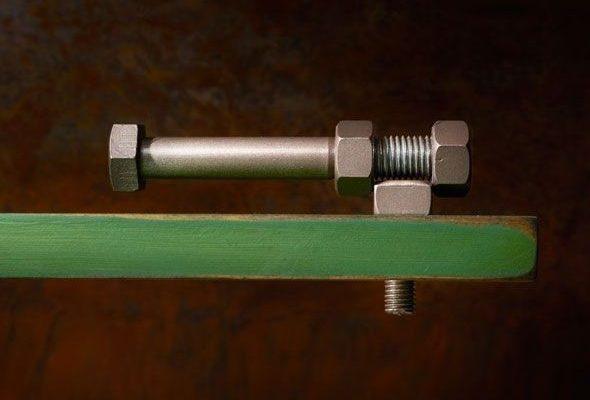 Как открутить гайку или болт без ключа?
